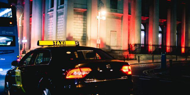 Claire's Cabs – Hackney Service